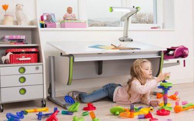 Направете ученето по-забавно с бюро с регулируема височина и аксесоари към него за повече удобство