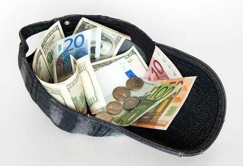 Онлайн кредити – за щастливите моменти от живота и за трудните финансови ситуации!