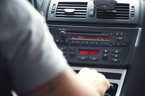 Как да изберете подходящата автошкола за шофьорски курсове?