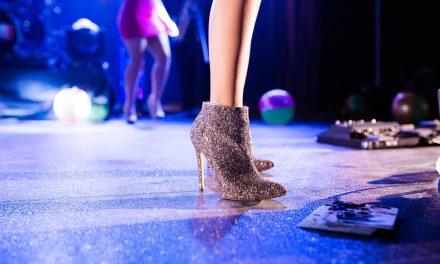 Лачените обувки не излизат от мода